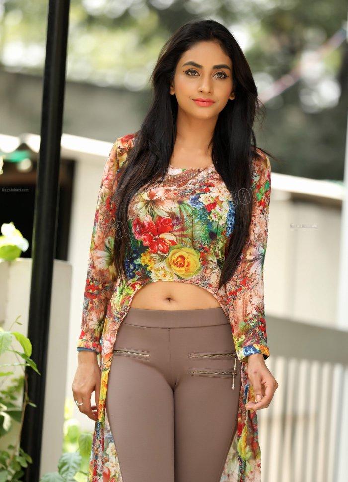 11 Best Pooja Unit Images On Pinterest: Pooja Sree Telugu Actress In Tight Pant Hot Photos